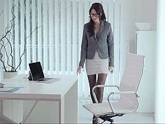 Slutty secretary having a petite surpise