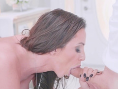 Sexy madame gets seduced and plus fucked by hand plusy masseur after massage