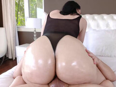 Babe with fat ass Violet Rain takes hard sausage with ease