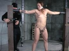 Roundass BDSM sub gets gagged and besides punished