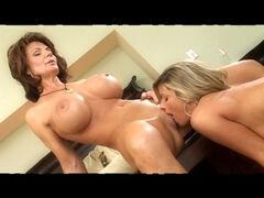 leszbikus pornó dohányzás