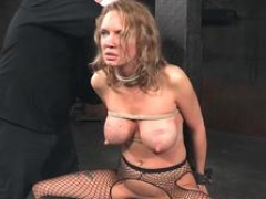Soccer mom nt punished and toyed in threeway
