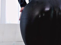 kelsi monroe teasing keiran lee with her nice round butt