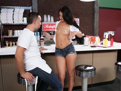 Hot waitress Kelly Diamond gets down and dirty a big cock user