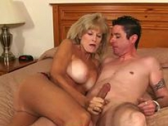 Grown-up Blonde Cam Ray Do Adult entertainment With Young Boyfriend