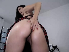 Shygirl huge booty masturbates toys on webcam
