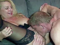 GERMAN SAGGY Boobs Sexually available mom JENNY AT FAN DATE WITH Semen ON PUSSY