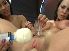 Milkytit Soccer mom & babe drilled by machine
