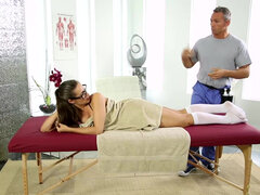 Cassidy Klein moans with pleasure as masseur pushes deeper inside