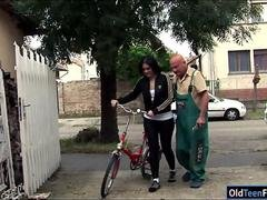 Romanian Marsha Cortez blows off & fucking mature bike repairman