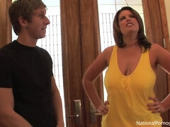 Lisa Sparxxx reveals whole lotta of nasty cougar