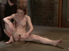 AnnaBelle Lee - Red Headed Slut - Live Show Part 2