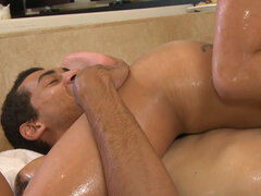 Asian hottie Rosemary Radeva gives nuru massage with happy ending