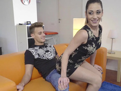 Flexible Lucia Nieto does splits on his big cock