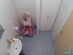 Fake Hospital (FakeHub): Horny busty blonde receives a creampie from the doctor