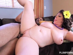 BBW MILF lubes BBC with a deep blowjob on couch